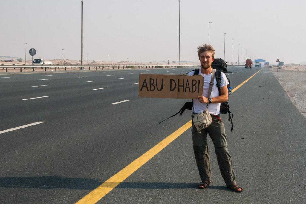 autostopem do abu dhabi