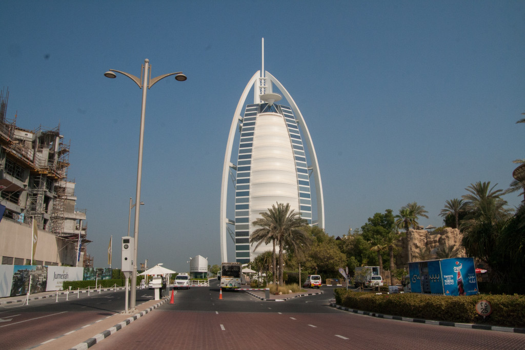 autostop w emiratach